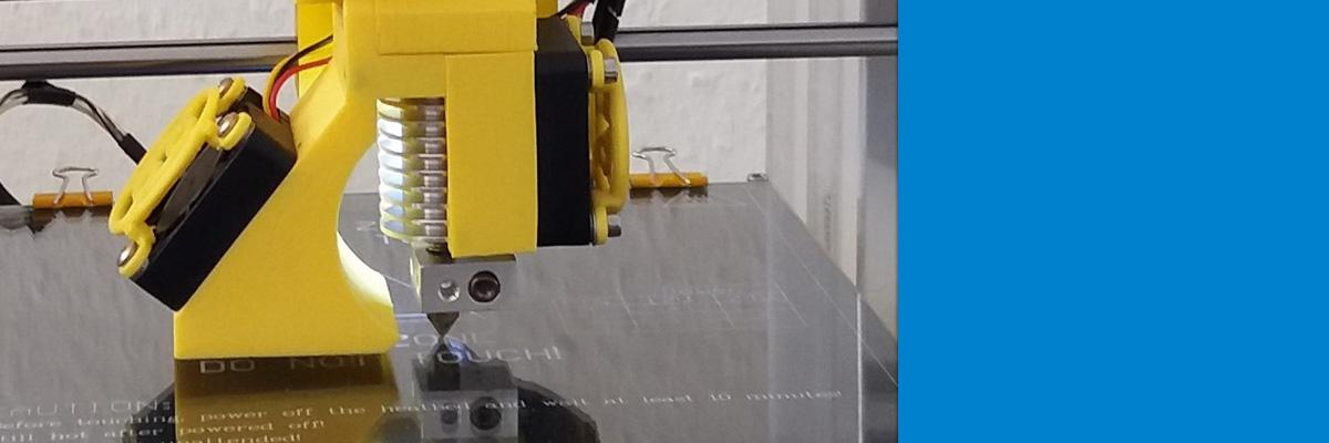 Ein Drucker druckt einen Drucker - Von einer Idee zum fertigen 3D Drucker